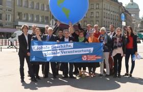 Schweiz: Eingabe der Konzernverantwortungsinitiative KVI in Bern, 2016