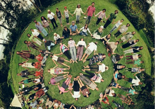 """""""De la tête au cœur vers les mains"""" - 5 ateliers pour vivre ensemble une transition écologique"""