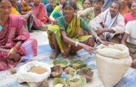 Frau Dorfgruppe Präsentation Lebensmittel Indigene